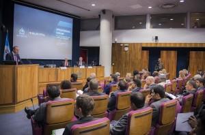 """Konferenz von Interpol und Europol zu """"Migrantenschmuggel"""" in Den Haag. (Bild: Europol)"""
