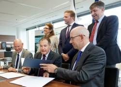 Unterzeichnung des Kooperationsabkommens von Frontex, EMSA und EFCA. (Bild: Frontex)